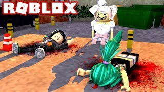 THE SPEAKER'S DOLL TRIES TO KILL US IN ROBLOX😨😱