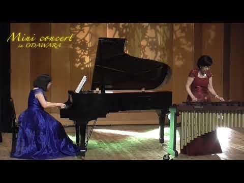 鈴木あさみ(マリンバ)、杉谷真知子(ピアノ)、さくらさくら