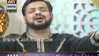 "Amir liaquat reciting naat ""MUJHAY DAR PAY PHIR BULANA"" in his show AALIM AUR AALAM"