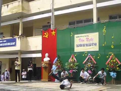 nhảy hiện đại 12b5 Lê Thị Pha.flv