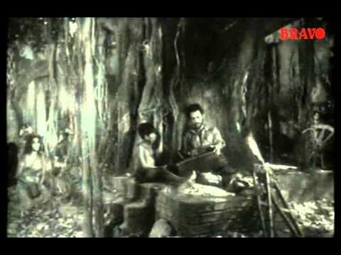 Kaadaru Maasam - Ezhu Rathrikal