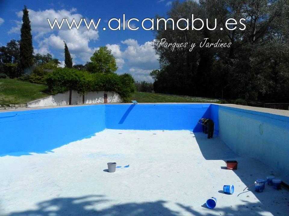 Vaciado limpieza y pintado de piscina de hormig n youtube for Pintado de piscinas