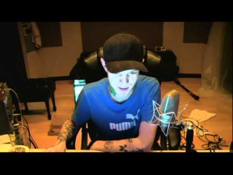 Deadmau5 live streaming in his new studio working on a new track! (the veldt) (Part 2) 17 March 2012