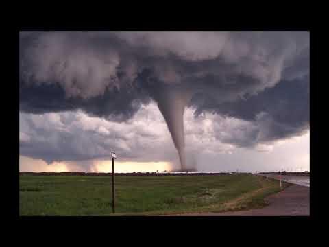 Pablo Hasél - Entre el tornado   (con letra)