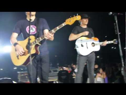Blink 182 - Reckless Abandon + Going Away to College HD (Live acoustic) - Birmingham 16/06/12