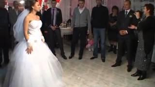 Нежный Смех невесты mpg