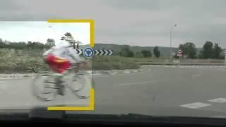 Como adelantar a un grupo ciclista en carretera
