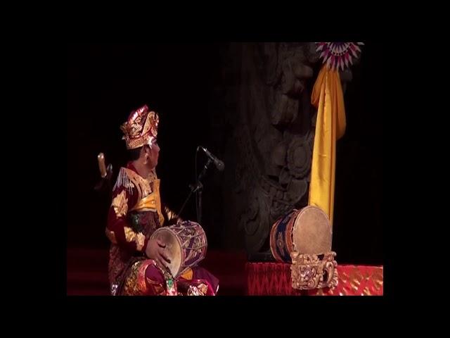 Tari Kreasi Guru Agung oleh Gong Kebyar Wanita Mekar Sari Peliatan pada PKB ke 36 Tahun 2014