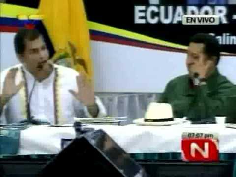 """Chávez y Correa bromean con el """"eje de la rodilla dañada"""""""