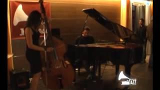THE SIGN OFF JAZZ - Beatrice Valente Trio