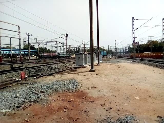 The Ghaziabad WAP- 5 at Vijayawada Jn (BZA)