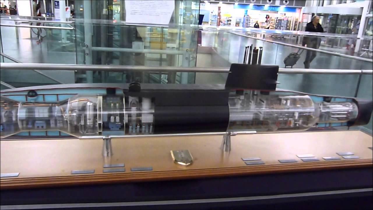 maquette du sous marin nucleaire l 39 indomptable a brest youtube. Black Bedroom Furniture Sets. Home Design Ideas