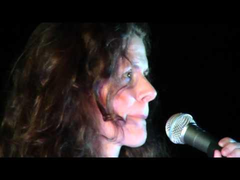 Circle- Edie Brickell & The New Bohemians