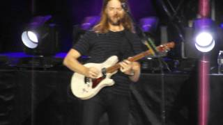 Maroon 5 - James Valentine rocking out