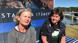 Lisbeth och Marianne: Den ända som överlev tillsammans med en konstnär, Nauvon vierasvenesatama