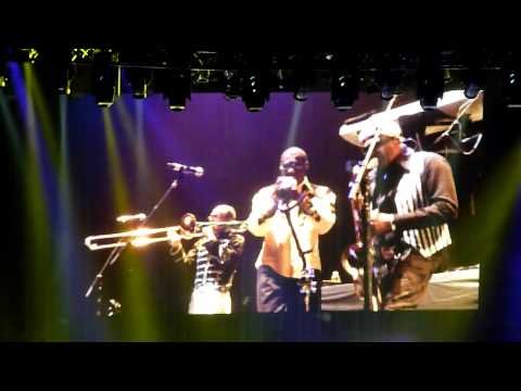 "Kool & The Gang - ""Fresh"", ""Tonight"", & ""Emergency"" - Live at Oakland - 6-3-2012"