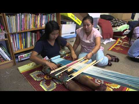Young Refugees In City Heights Learn Weaving From Their Elders
