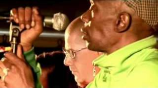 Faithless - Bombs (Live at O2 Wireless)