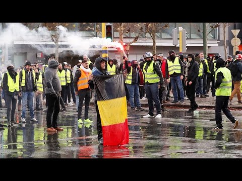 France's 'gilets jaunes' protests spread to Belgium