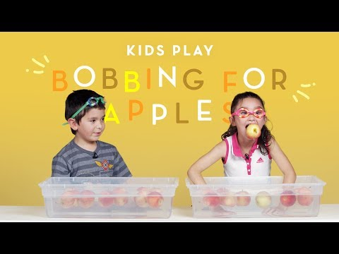 Kids Play Bobbing for Apples | Kids Play | HiHo Kids