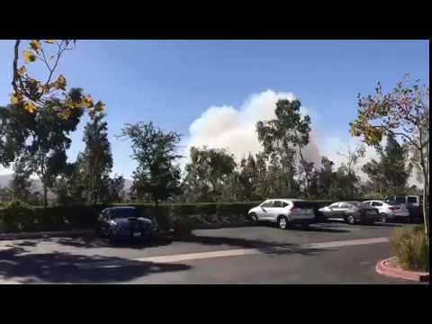 Así está El viento e incendió en Santa Clarita California  🇺🇸