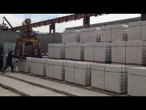 Погрузка козловым краном Житомирского силикатного кирпича 0675486412