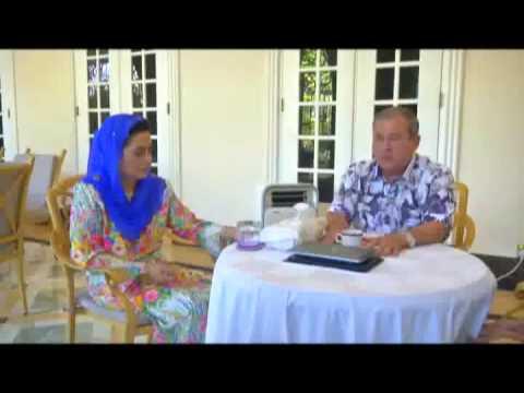 Debaran Keluarga Diraja Menjelang Kemahkotaan Sultan Johor - Buletin TV3 (20 Mac 2015)