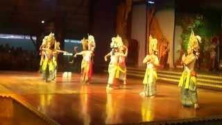 Национальные тайские танцы в парке Нонг Нуч (Nong Nooch Tropical Garden)(http://photo-and-travels.ru/phatthaya/ Видео используется в качестве иллюстрации к отчету о самостоятельной поездке в город..., 2014-12-06T15:14:03.000Z)