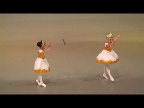 """""""Русский танец"""". Сафонова Мария и Кушнарева Анфиса"""