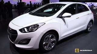 2015 Hyundai I30 Cng Natural Gas - Exterior And Interior Walkaround - 2014 Paris Auto Show