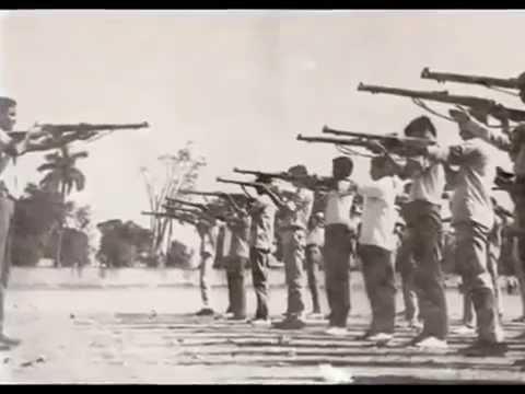 Shadhinotar Bangla Gaan *Mora Akti Fulke Bachabo Bole Juddho Kori  মোরা একটি ফুলকে বাঁচাবো বলে