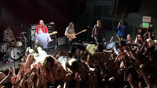 Idles play Samaritans then Television (live), Fontaines D.C. crowdsurf