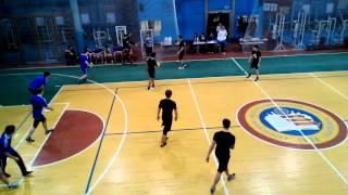 1 тайм соревнования по гандболу в честь дня защитника отечества. ХНЭУ
