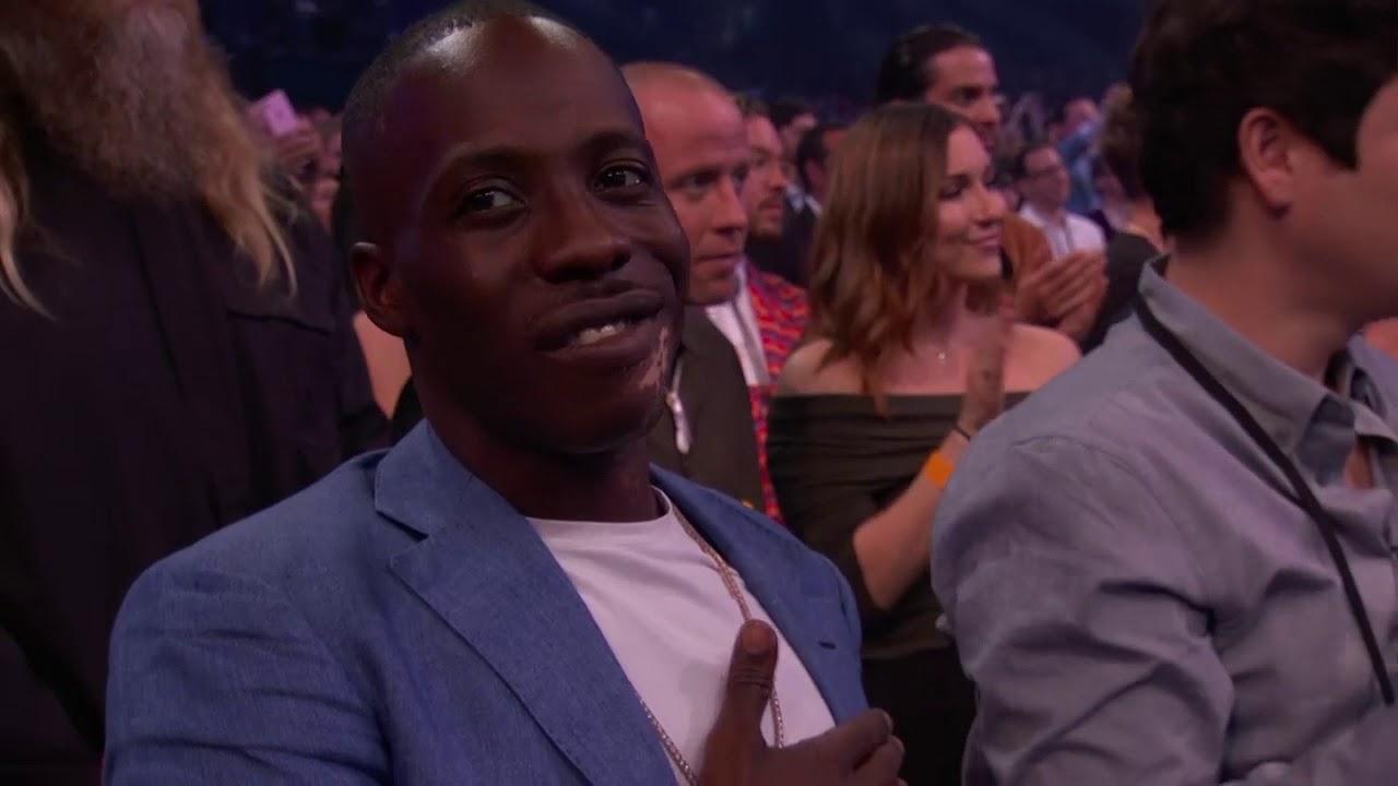 Post Malone Wins Favorite Male Artist for Pop/Rock - AMAs 2018