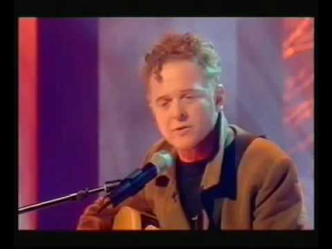 Mick Hucknall - Holding back the Years