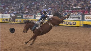 Tanner Aus 87 Point Ride to Win Round 7 Bareback Riding | NFR 2017 Interviews