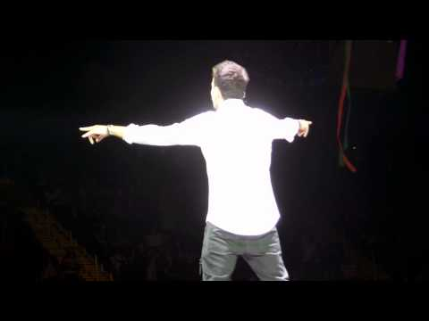 New Kids on The Block Give it to you Jordan Knight 5/9/2015 The Forum