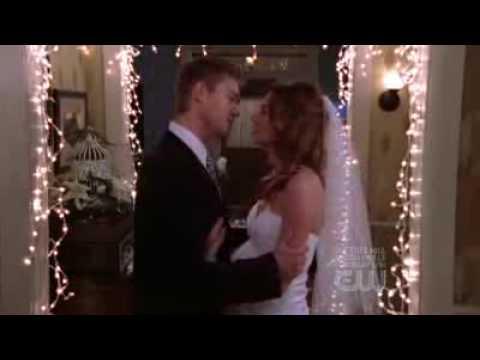 lucas and peyton ending relationship