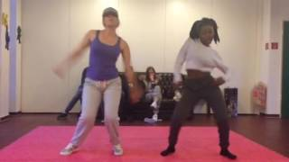 White Girl NAILS AFRODANCE😱😱😱Koffi Annan by Yemi Alade ~Steph & Linna(Just be Crew) Dance