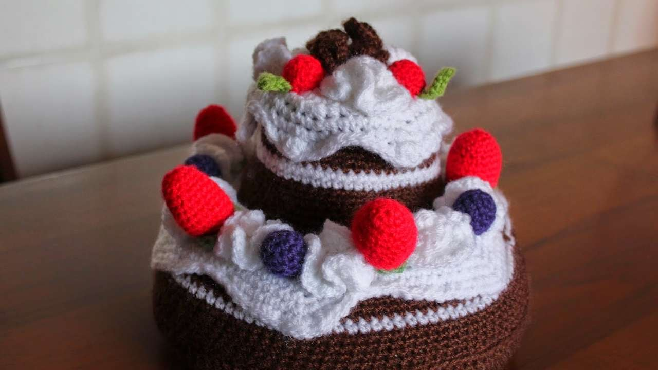 How To Crochet A Chocolate Cake Diy Crafts Tutorial Guidecentral