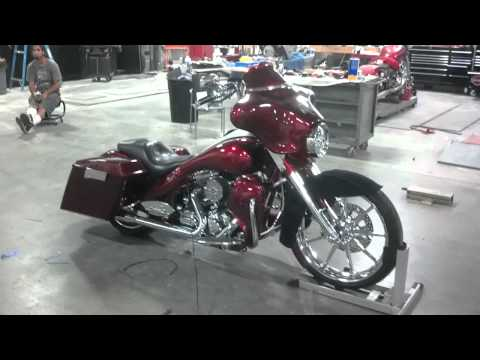 Crazy Harley Stereo. Awsome sound that can...