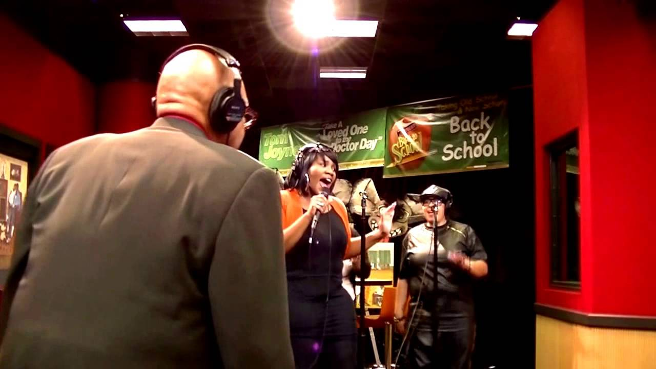 Kelly Price performs: It's My Time & You Should've Told Me on the ...