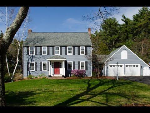 Charming Neighborhood Colonial in Duxbury, Massachusetts