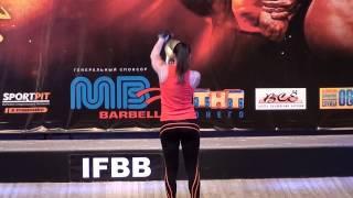 Чемпионат Карели по бодибилдингу Октябрь 2013 г. Выступление Есении Столяровой