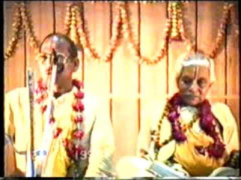 27/ram katha pswami ram hrsan das ji by aswasth sant sewa trust ayodhya.suryprkas ji