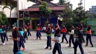 Flashmob SMKN 10 Jakarta ( X-AK2 )