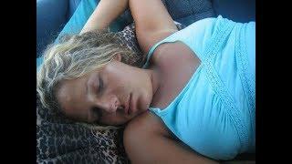 Жена нашла спящую Девушку в машине Супруга