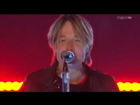 Steve - Keith Urban Played the Canadian Super Bowl - The Grey Cup HalfTime