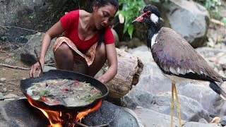 Yummy Birds soup with Peppers for Lunch - Cooking Birds & Eating delicious - Food my village Ep 12