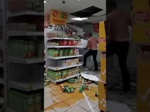 Выпивший россиянин разгромил  пятёрочку